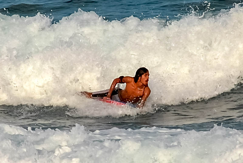 Noah Boat Maldives - surfing (4)