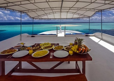 Noah Maldives - boat safari - lunch on deck