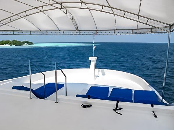 Sun Deck - Noah boat Maldives